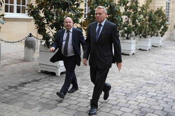 François Brottes, Président de la Commission des Affaires Economiques à l'Assemblée Nationale et le Premier Ministre Jean-Marc Ayrault